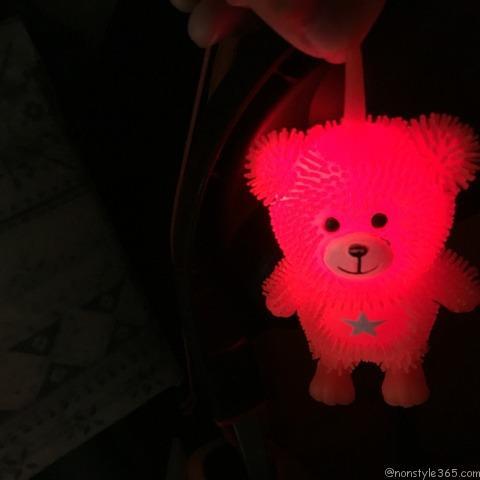 光るおもちゃ