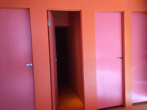 農舞台トイレ